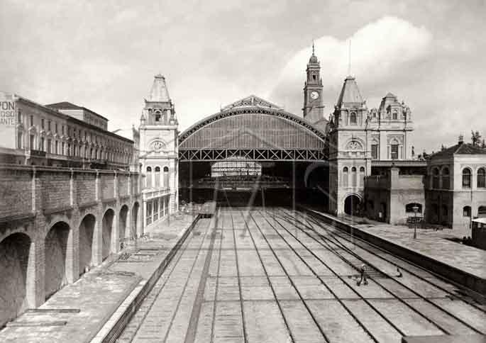 Ferrez, Marc. Estação da Luz. Jardim da Luz. São Paulo. SÃO PAULO / Brasil. 1896 circa.