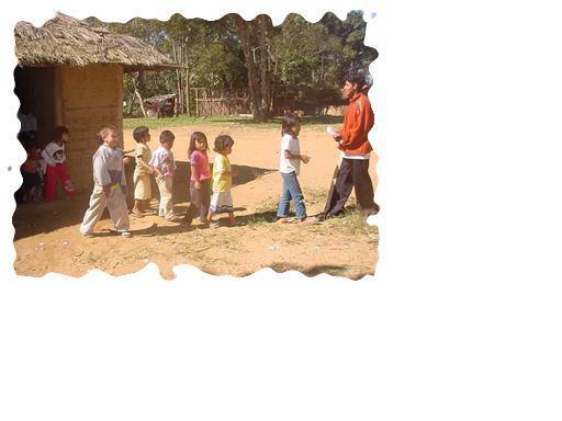 Foto de índios que vivem na Aldeia Guarani Krukutu São Paulo - 2009